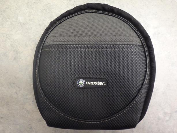 Napster 32 CD Wallet Like New