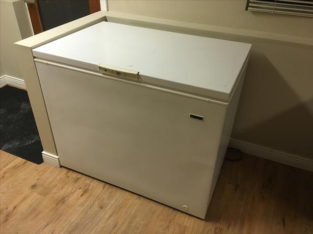 Freezer - super clean, super cheap