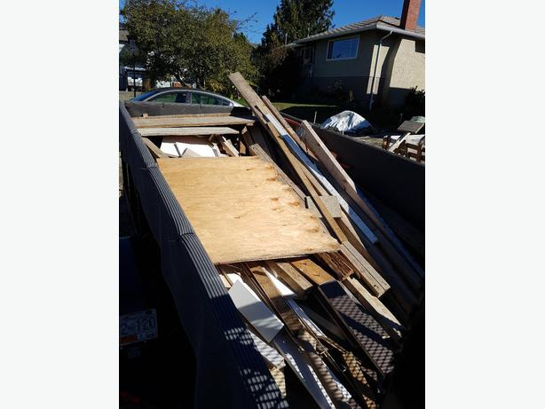 FREE WOOD... ALL TYPES ( CONSTRUCTION/FIRE WOOD/ PLYWOOD SHEET ETC)
