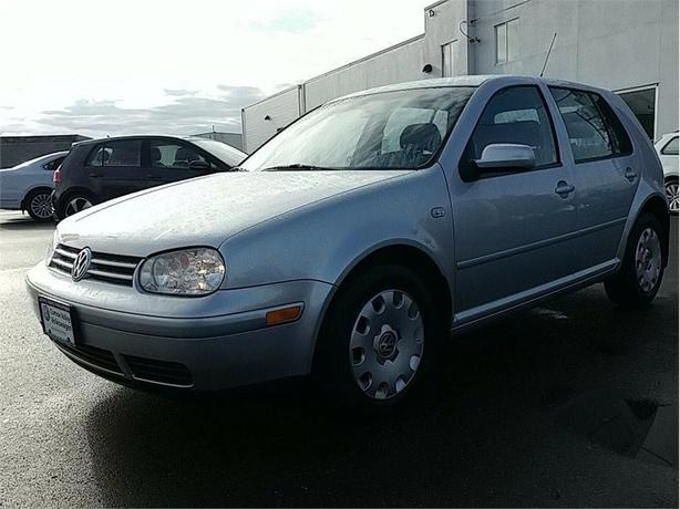 2005 Volkswagen Golf 2.0 L CL LOW KMS ! SUPER CLEAN !