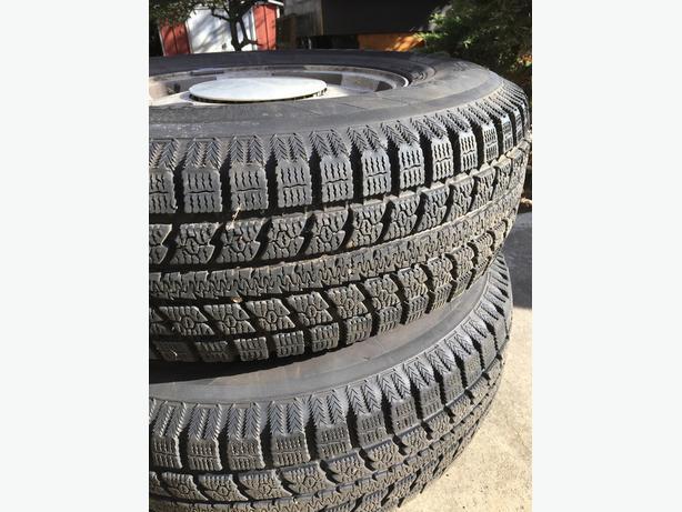 """16""""snow tires Toyo"""