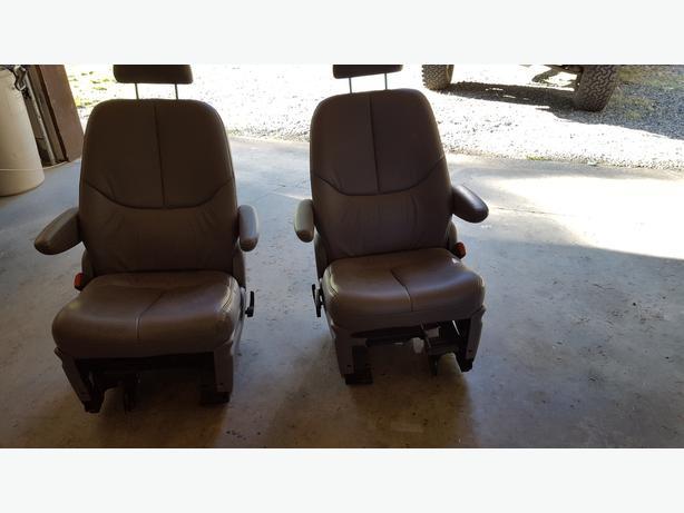 Grey Leather Seats (2)