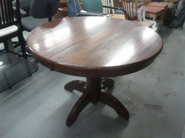 Wood Pedistal Table