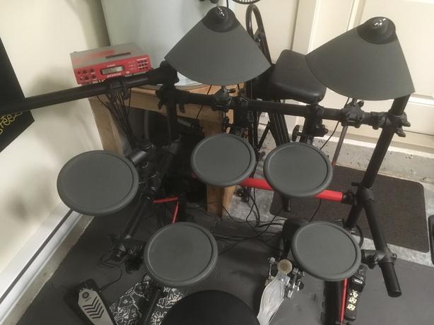 Yamaha DT Express II electronic drums