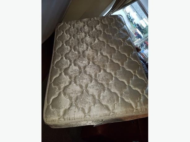 FREE: back on free double box spring and matress