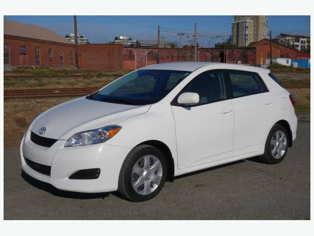 2009 TOYOTA  MATRIX XR HATCHBACK - NEW BRAKES