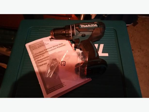 Makita Hammer Drill 18v *New