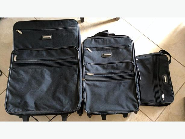 3 piece Luggage set black