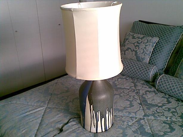 Heavy drip-glaze pottery lamp