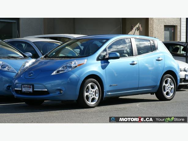 2014 Nissan LEAF SV – Quick Charge Package – Premium Package – STK#M8627