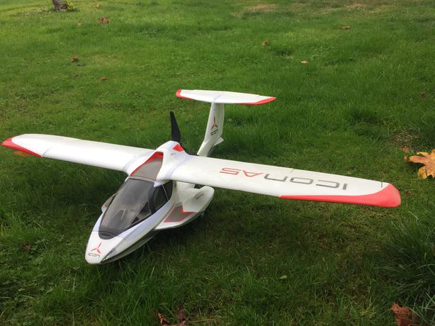 ICON-A5 RC Plane