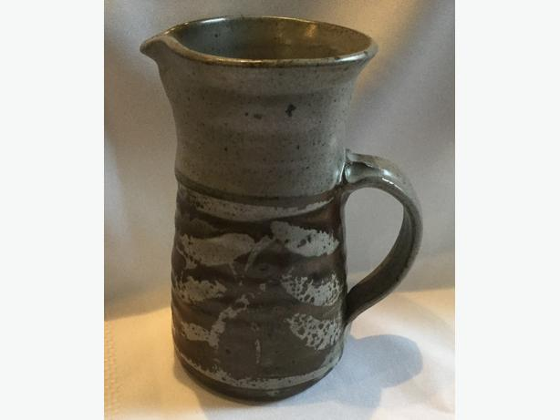 ROBIN HOPPER ART POTTERY PITCHER STYLE VASE