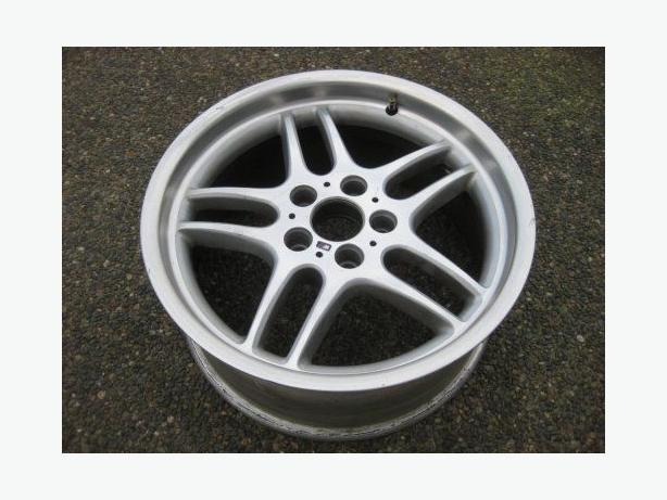 1 single FRONT 18x8 inch m-parrallel bmw Factory forged rim (sry)