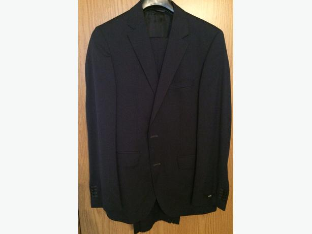 Hugo Boss Dark Blue Pinstripe Business Suit & Tie - Worn Once!!!