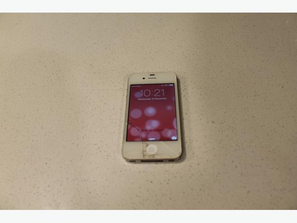 Unlocked iPhone 4 – 16GB