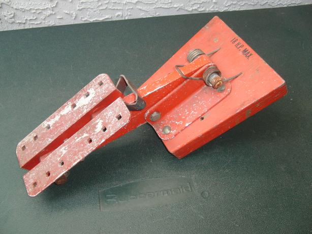 McElroy Kicker Bracket (18 HP Lift)