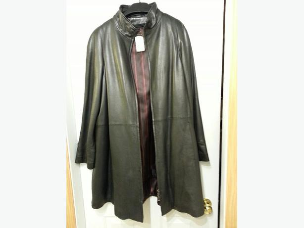 NEW Large Women's Danier genuine leather coat - $149