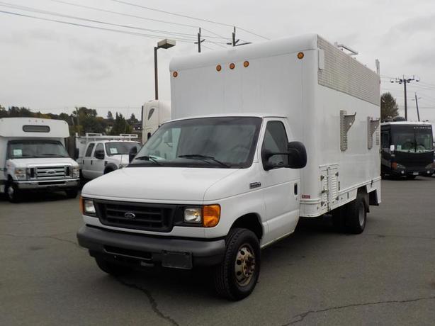 2006 Ford Econoline E-450 Cube Van Utility Van 14 Foot Box