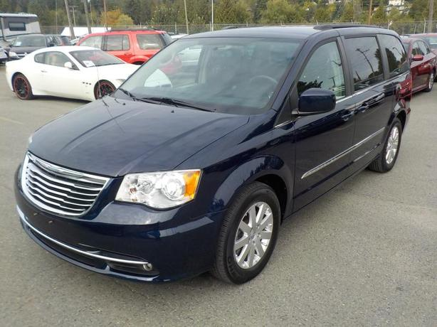 2014 Chrysler Town & Country Touring Stow N' Go