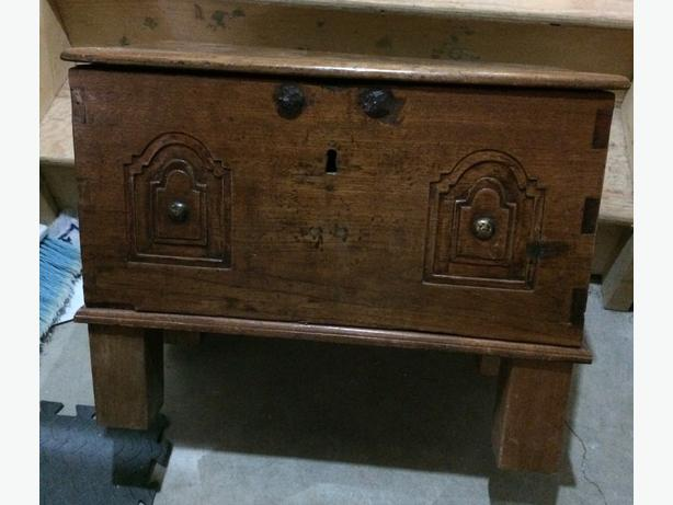 Dutch Colonial 1900 circa teak chest