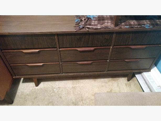 Dressers x 2, bedside bureau, mirror Retro suite