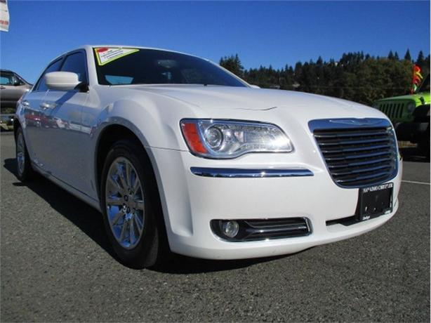 2013 Chrysler 300 Touring Luxury Fully Loaded
