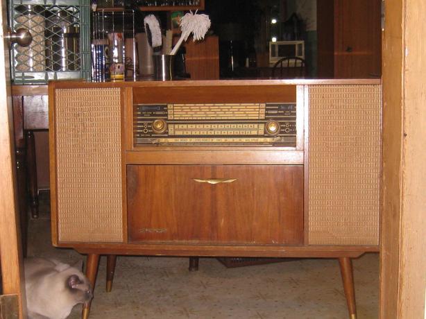 "Reduced! Vintage ""Kubana"" cabinet radio/stereo system (50's-60's)"