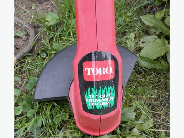 TORO GRASS TRIMMER WEEDEATER