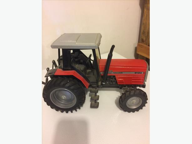 Massey Ferguson 8120 dynashift minature tractor