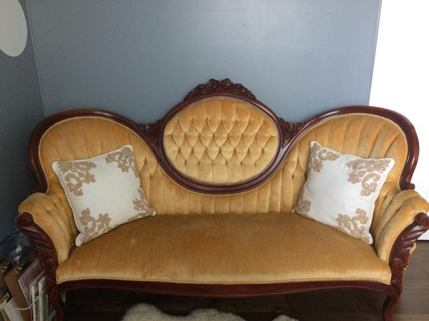 Vintage Victorian Style Cameo Sofa Settee