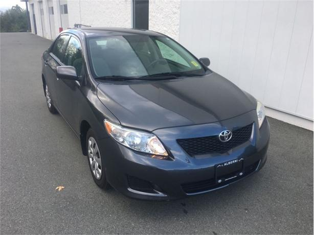 2010 Toyota Corolla CE   Rare 5 Spd Manual - Very Economical