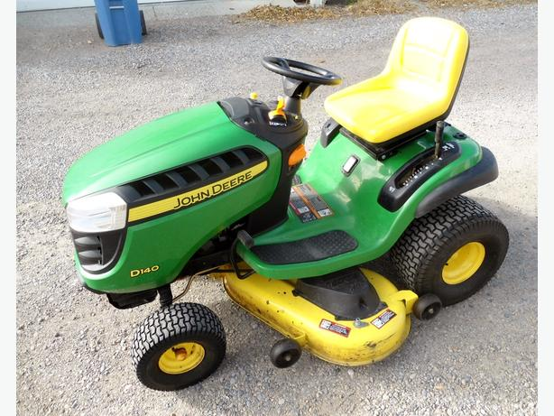 JOHN DEERE D-140 22 HP RIDING MOWER