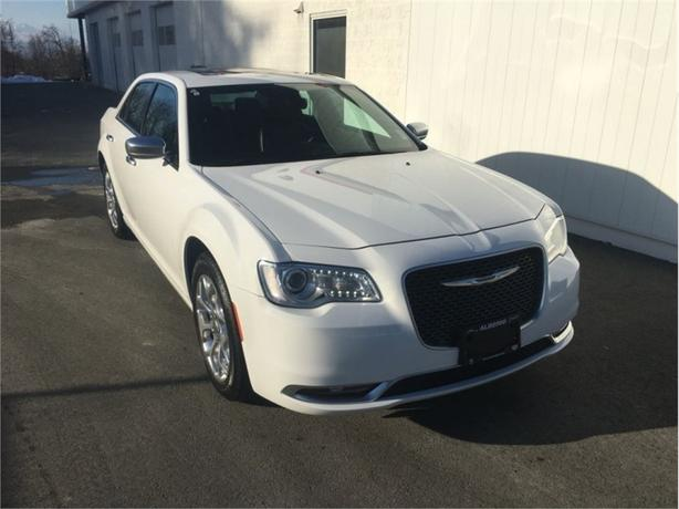 2016 Chrysler 300C Luxury Series  AWD - Panaramic Sunroof