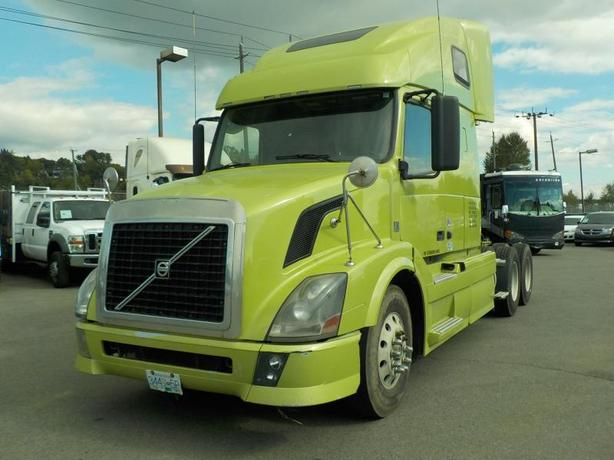2012 Volvo VNL D13 Highway Tractor and Sleeper Cab