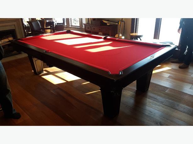 9' deLeeuw Billiards Custom Pool Table
