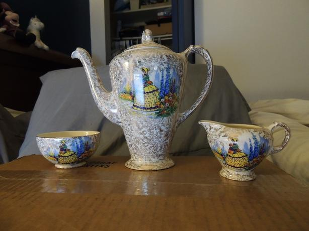 Teapot/coffee Vintage Empire china with creamer and sugar bowl