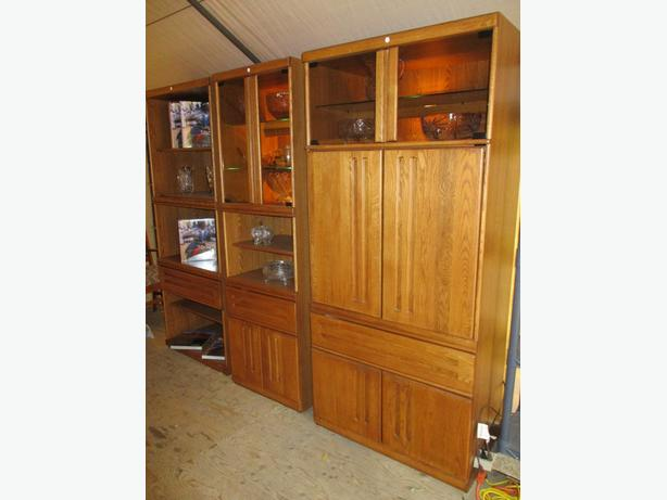 SENIORS THREE MID CENTURY OAK FINISH DISPLAY/ ENTERTANMENT UNITS