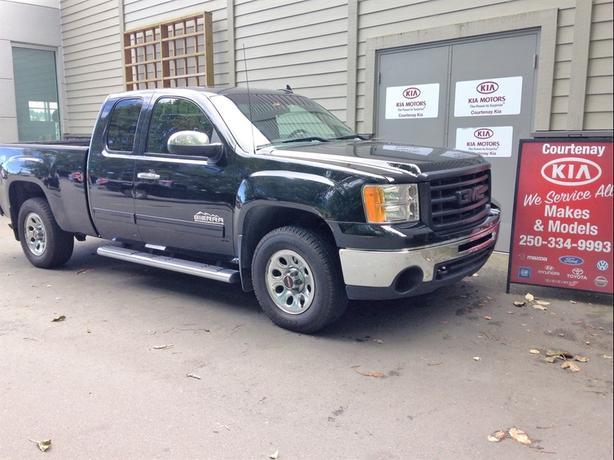 2011 GMC Sierra 1500 SL NEVADA EDITION ** $300.00 Gas Card included**