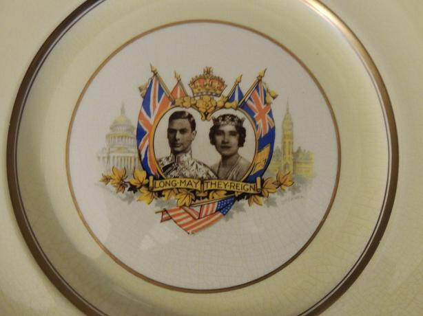 DINNER PLATE JOHNSON BROTHERS GEORGE VI AND ELIZABETH I CORONATION C 1939