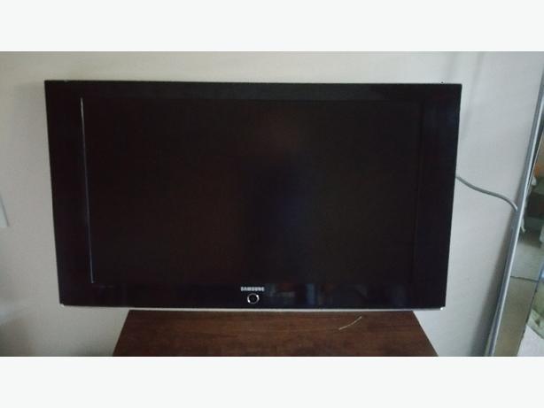 "LNT40 Samsung 42"" Tv"