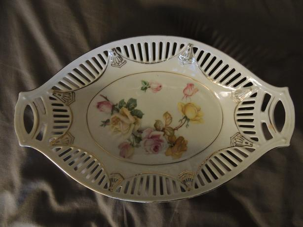 10 1/2 INCHES LONG OVAL SERVING BOWL
