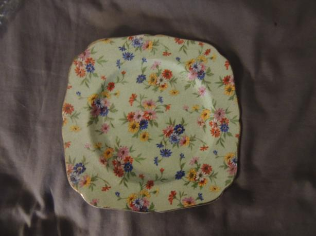 7 INCH FLOWER PLATE MADE IN ENGLAND
