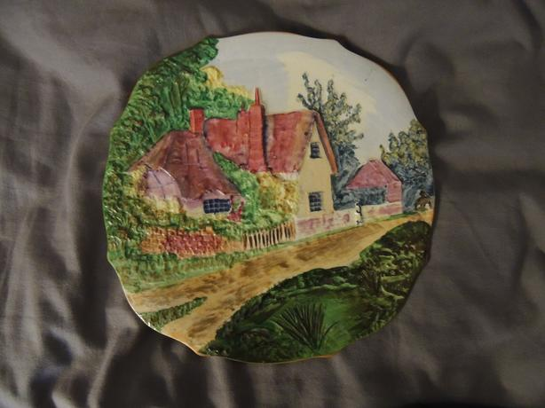 HAND PAINTED PLATE RAISED COTTAGES URBAN ART POTTERY PLATE