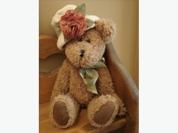 REDUCED - BOYD BEAR AUNTIE ALEENA DE BEARVOIRE