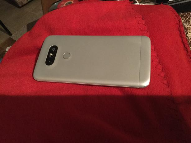 Mint condition LG G5 32GB silver *unlocked*