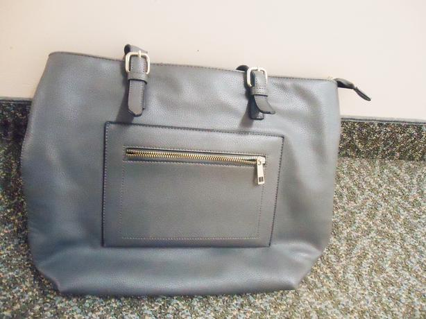 Forever21 Women's Gray Faux Leather Tote Bag / Purse LIKE NEW