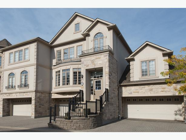 **SOLD** 28-2400 Neyagawa Blvd Oakville Real Estate MLS Listing