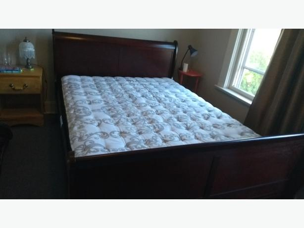 Sealy Posturepedic Crown Jewel Queen Size Pillowtop Mattress