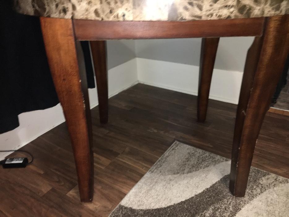 apartment size marble dining table South Regina Regina : 66476857934 from www.usedregina.com size 934 x 700 jpeg 66kB