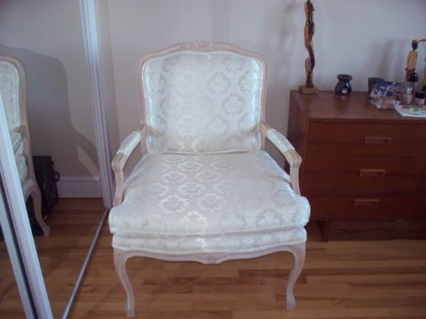 luxury bedroom chair